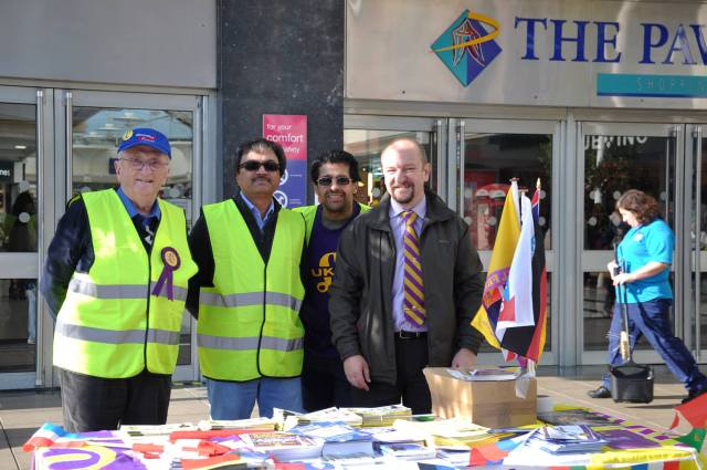 Uxbridge street stall Oct 2013 with MS MG and Ilyas